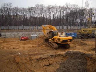 Земляные работы во время строительства дома