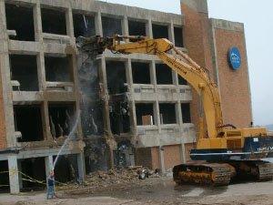 Особенности и виды сноса зданий