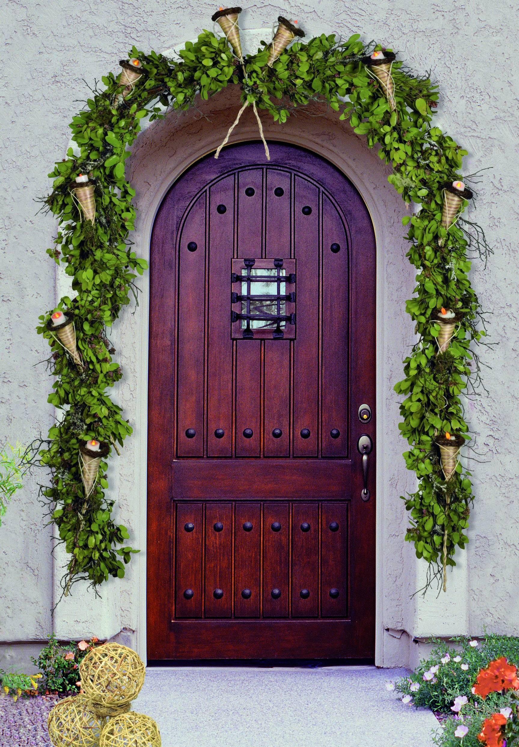 купить входную уличную дверь в загородный дом